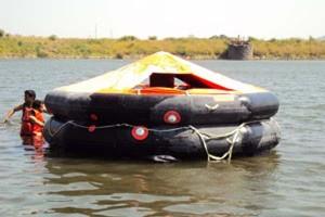 25_men_life_raft_water